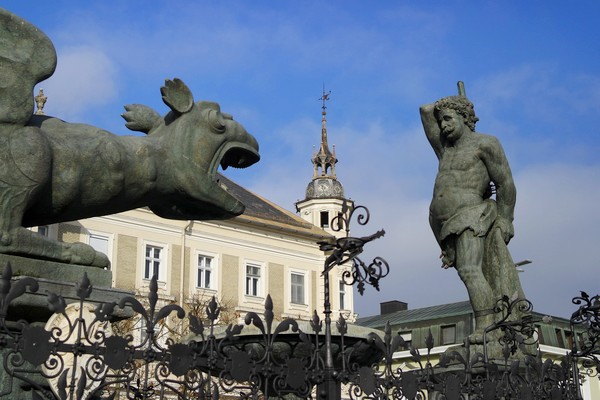 autriche klagenfurt carinthie neuer platz fontaine lindwurm