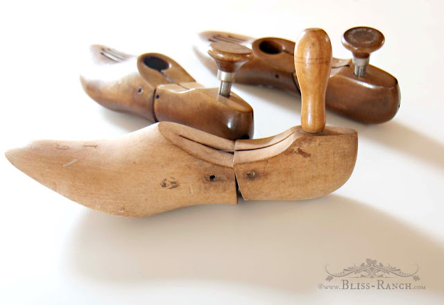 Vintage Shoe Lasts Towel Holder, Bliss-Ranch.com