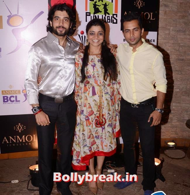 Sharad Malhotra, Nivedita Basu and  Alok, Box Cricket League Success Party - Tv Babes as Guests