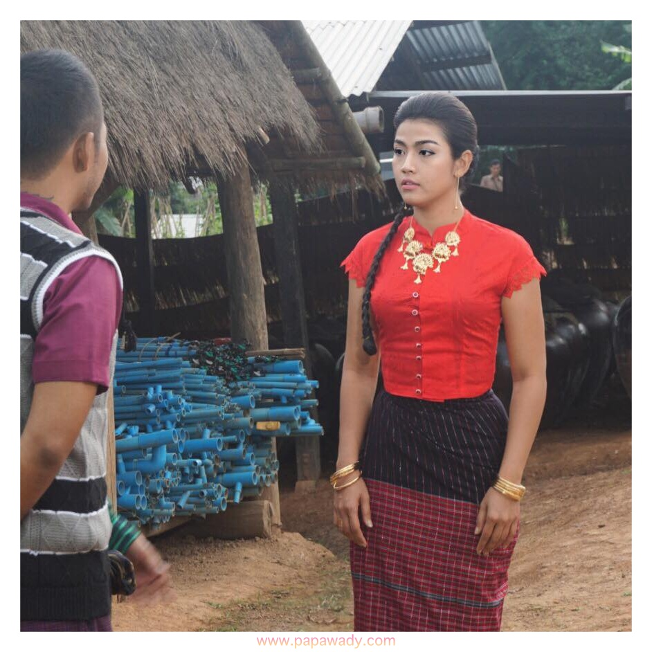 Ei Chaw Po Movie Shooting : Fashion Outfits and Behind The Scenes