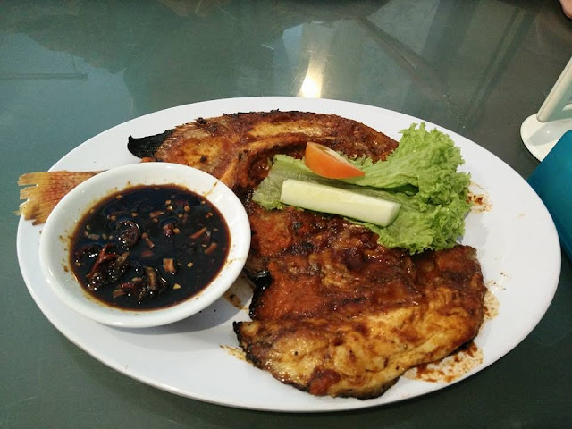 Ikan Bakar Di Restoran Simpang Tiga Ipoh
