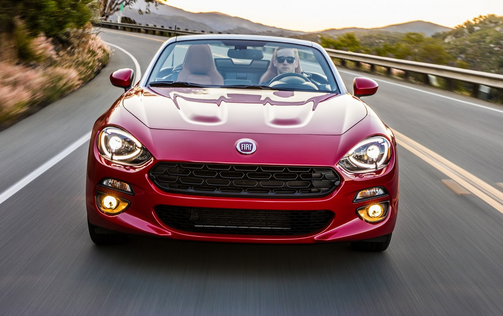2018 fiat 124 spider model changes fiat 500 usa. Black Bedroom Furniture Sets. Home Design Ideas