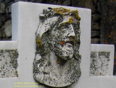 arroyo-cerezo-lapida-tumba-cruz-cementerio