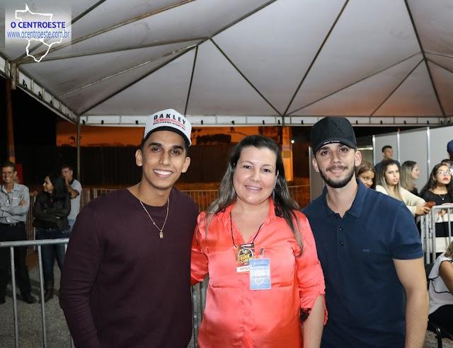 Selio & Thiago no palco de Maiara & Maraisa