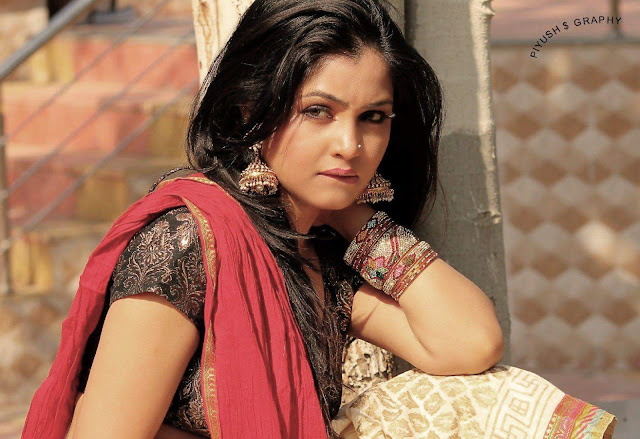 Shubhangi Atre Poorey Wiki Biography, Pics, Age, Video, Wallpaper, Personal Profile,Tv Serial, Indian Hottie