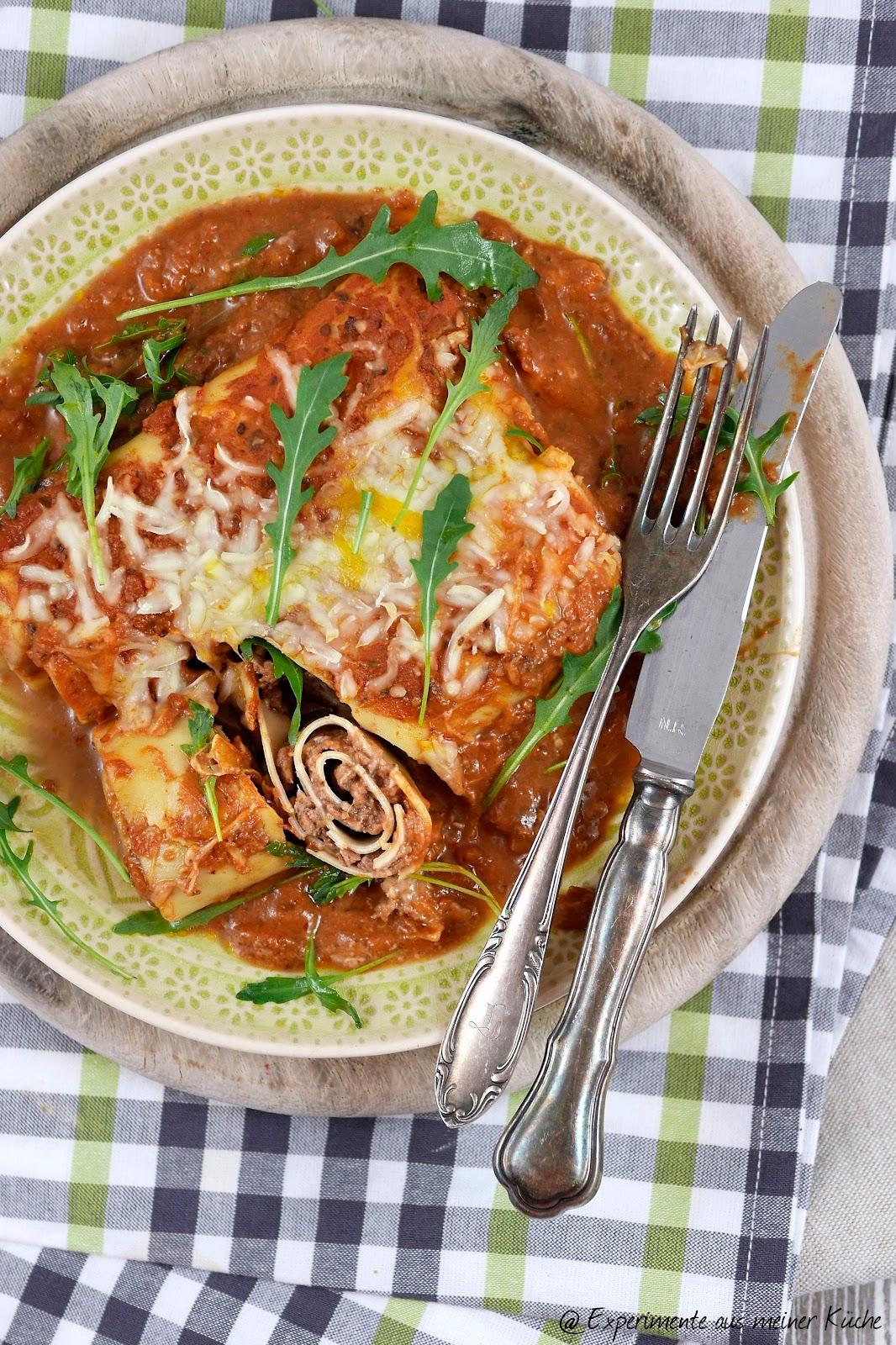 aus meiner Küche: Überbackene Lasagne-Rollen