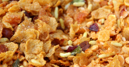 How to Make Corn Flakes Chivda - Corn Flakes Chivda / Makai Chivda Recipe