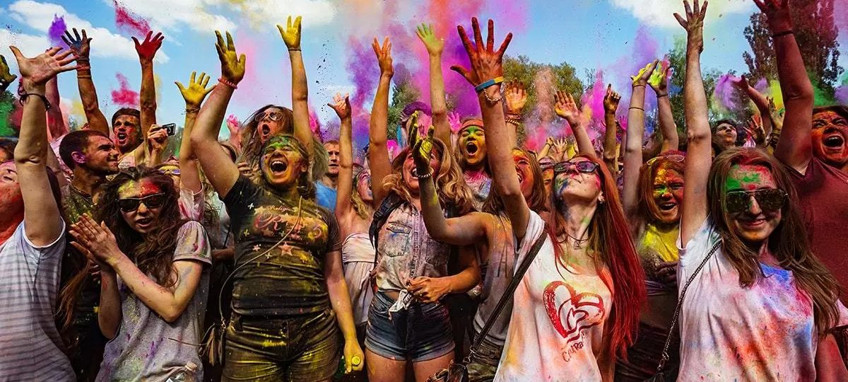 Happy Holi 2019  quotes in hindi language [होली कविता हिंदी में] for friends, family, relative, brothers, sister, mother