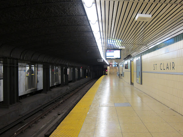 St. Clair subway station platform, south end