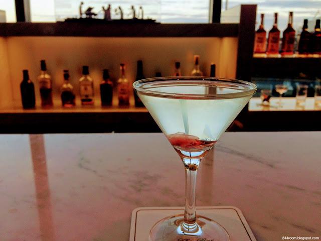 サクララウンジカクテルさくら Sakura lounge cocktail SAKURA3