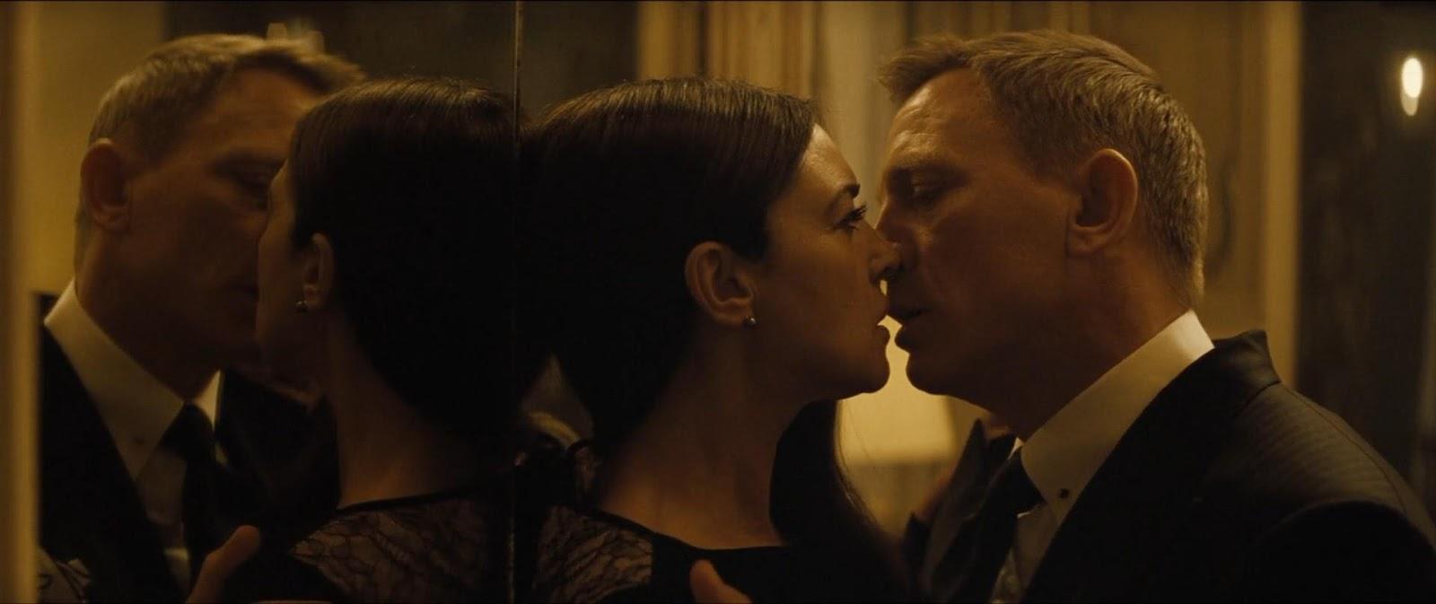 007: Spectre (2015) 2