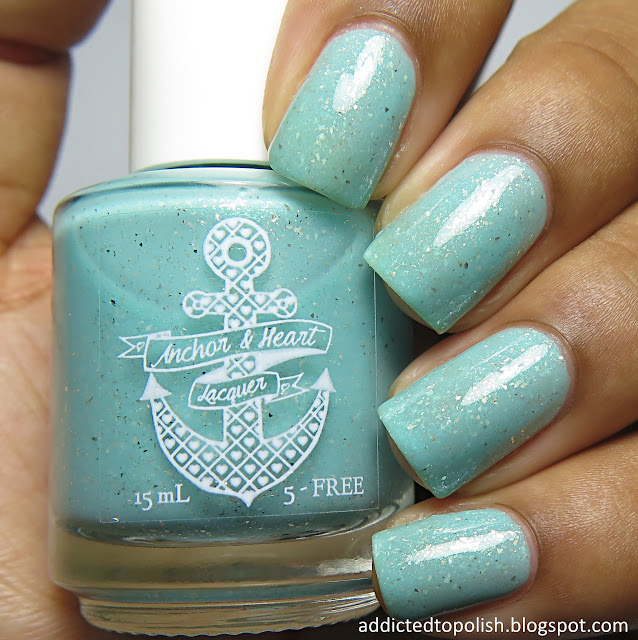 anchor and heart lacquer cold water and sunshine