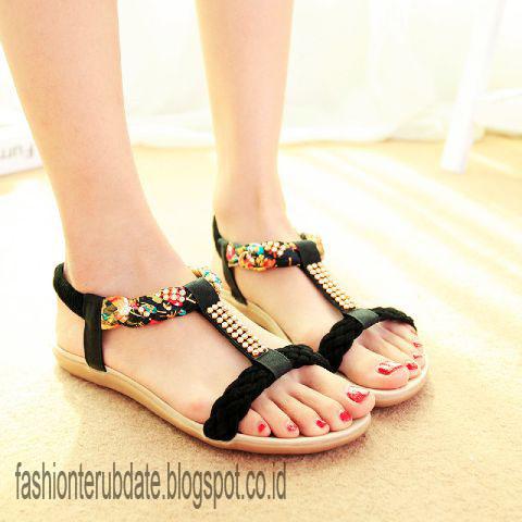 Trend Model Sandal Wanita Terbaru - Fashion Terupdate