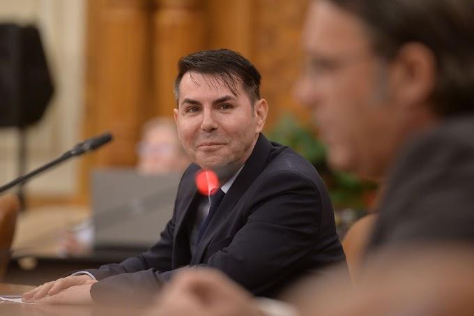 Három új alkotmánybírót nevezett ki Romániában a parlament és az államfő
