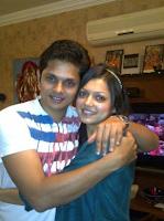 Foto Drashti Dhami dengan kakaknya Jaysheel Dhami