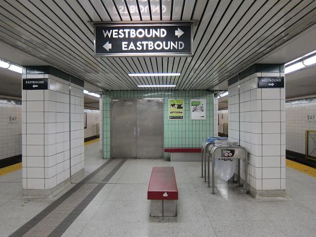 Bay station platform