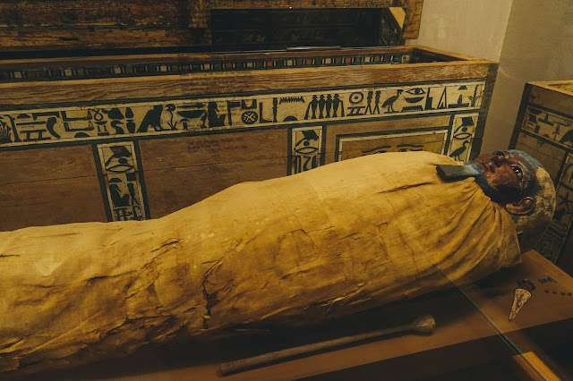 エジプト美術(Egyptian Art)|Mummy of Ukhhotep, son of Hedjpu