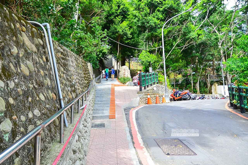 Yuanshan-park-2.jpg