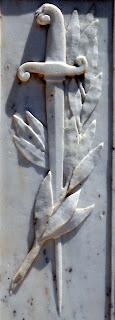 Το μνημείο πεσόντων στο Δαμαριώνα