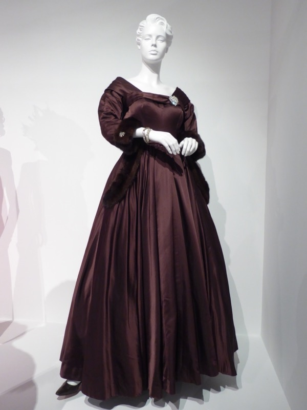 Susan Sarandon Feud Bette Davis gown