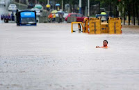 Dangerous Floods in Southern China