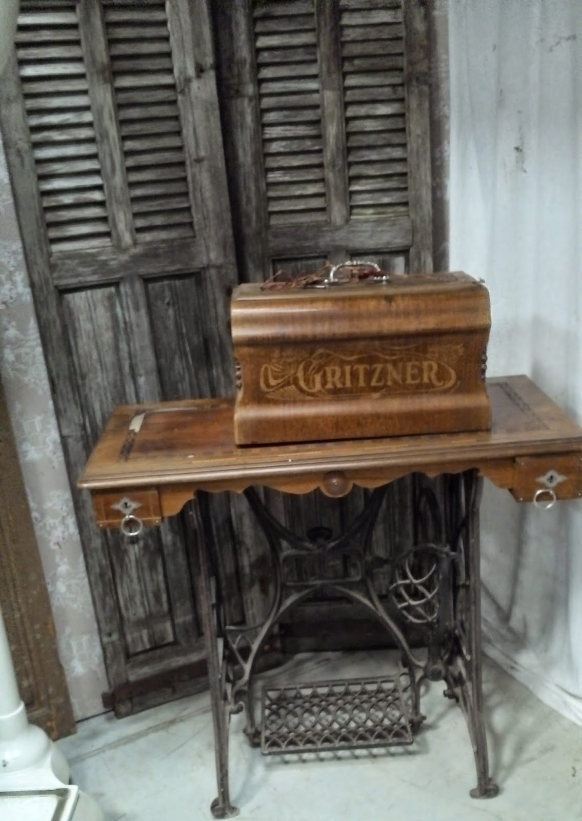 machine a coudre ancienne gritzner annees 1900 durlach. Black Bedroom Furniture Sets. Home Design Ideas