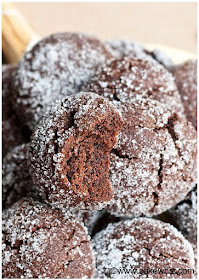 15 Coffee & Mocha Desserts...warm drinks, easy cakes, fun layered sweets and more!  15 fun and festive chocolate and coffee flavored desserts for Fall. (sweetandsavoryfood.com)