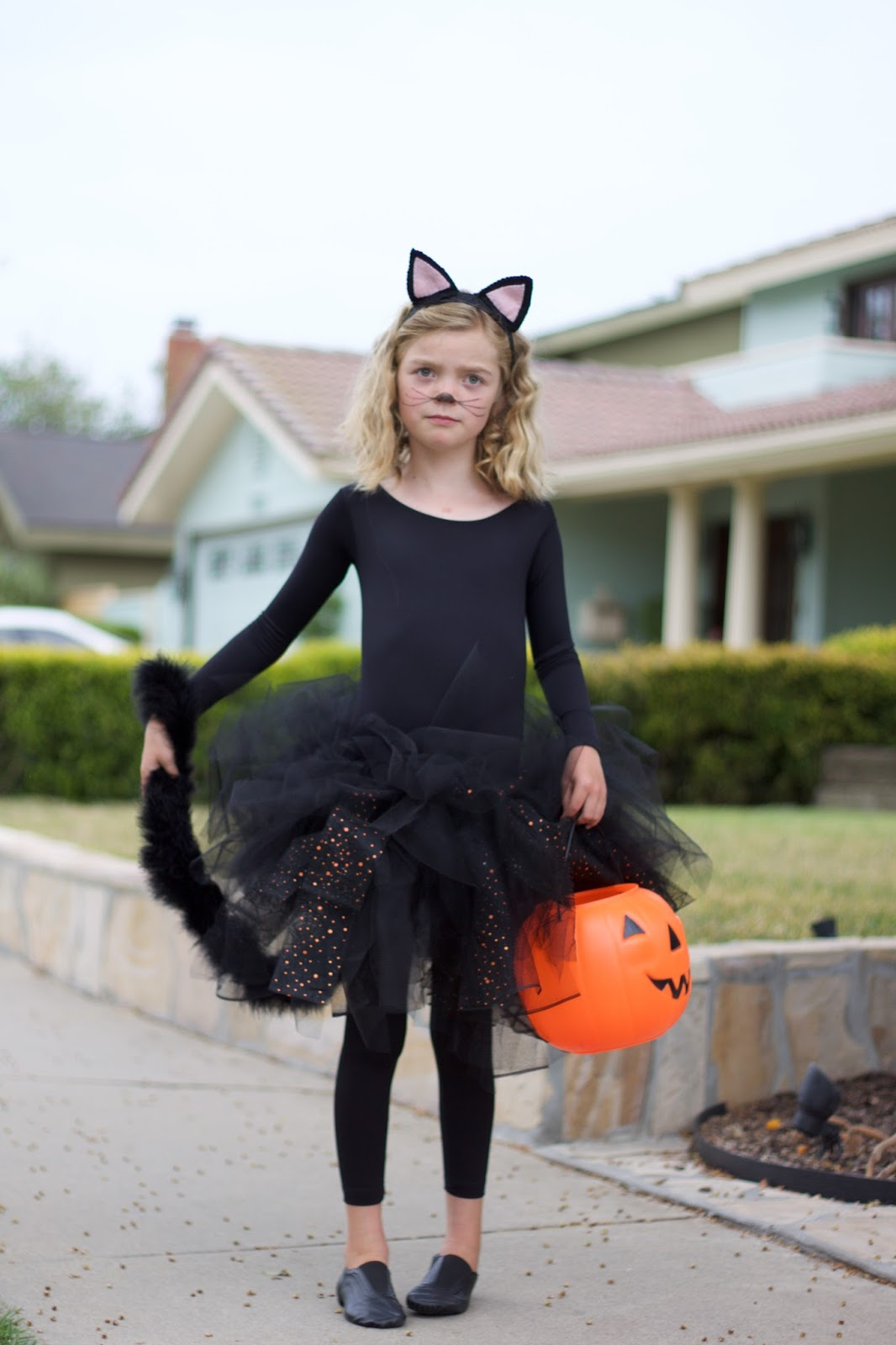 2 really simple halloween costumes | hello beautiful