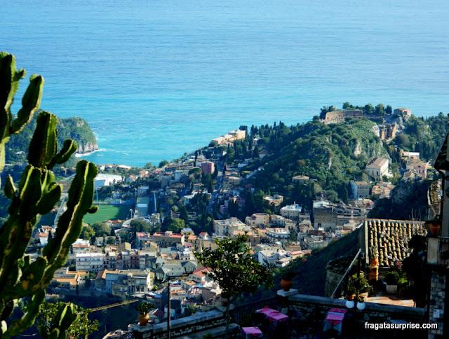 Teatro Grego de Taormina visto da vila de Castelmola, Sicília