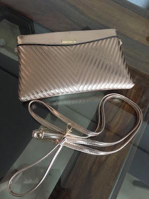 bolso nude metalizado