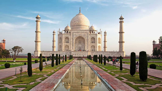 TAJ MAHAL - A BEAUTIFUL PLACE TO VISIT IN INDIA