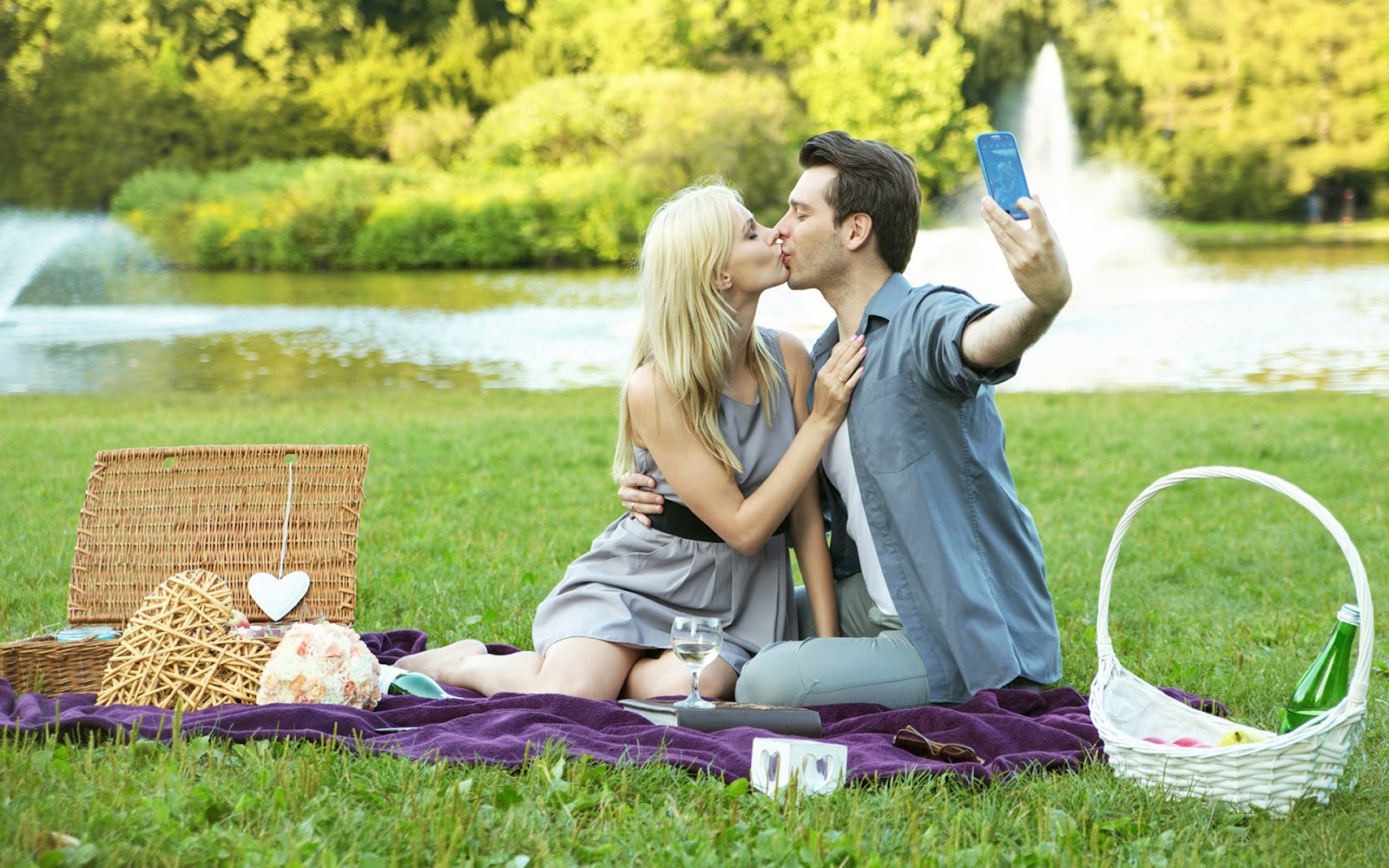 Hot Couple Kissing 1080P Hd Wallpapers  Images  Hd -7343