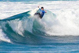 21 Keoni Yan HAW Azores Airlines Pro foto WSL Laurent Masurel