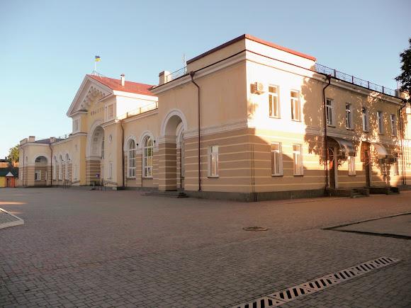 Конотоп. Сумська область. Залізничний вокзал