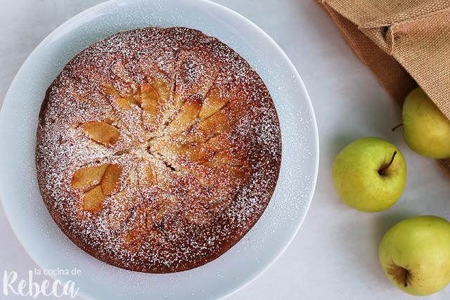 Pastel de queso con manzana