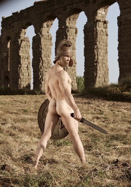 Naked Darian Caine In Gladiator Eroticus Ancensored