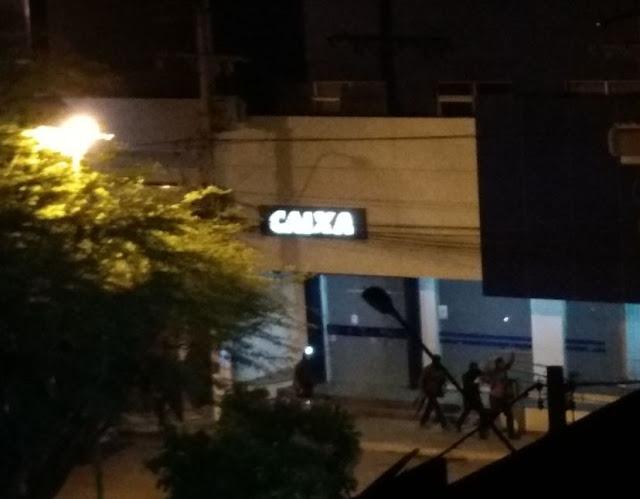 Bandidos tocam o terror em Irecê com tiroteio e assalto a bancos
