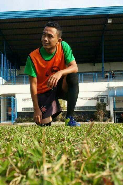 Andi Rahmat, Peduli Pemuda dan Sepak Bola