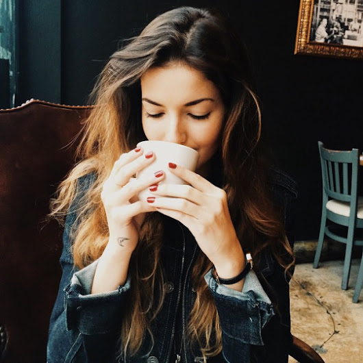 Hollywood News Update: Cute Coffee Drinking