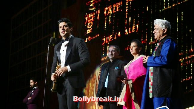 Shabana Azmi, Farhan Akhtar and Javed Akhtar, IIFA Awards 2014 Pics