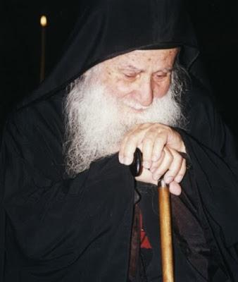 Gerontas-Iosif-o-Vatopaidinos-Tha-kinithoun-oi-evraioi-kai-tha-erethisoun-tous-tourkous-na-eisvaloun-eis-tin-Ellada