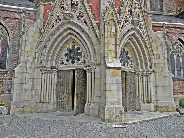 Bazylika w Nysie, kościół