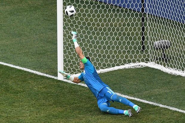 Thủ thành Ai Cập lập kỷ lục ở World Cup
