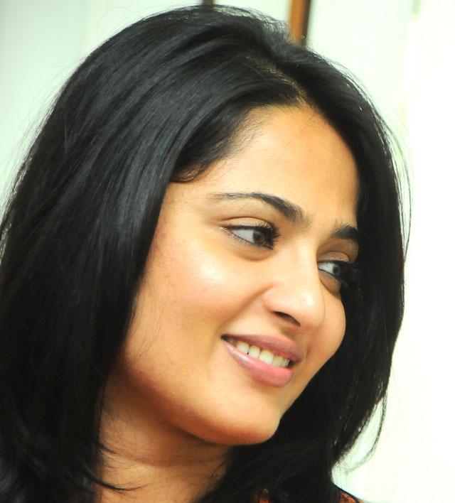 Beautiful Indian Girl Anushka Shetty Unseen Beautiful Face