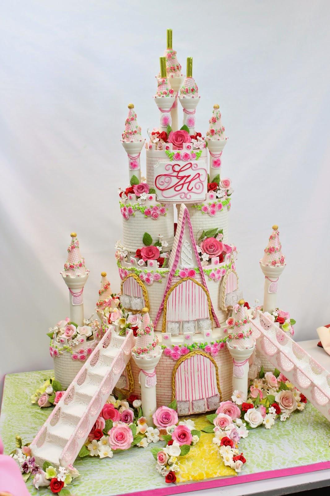 Complete Deelite Royal Castle Cakes