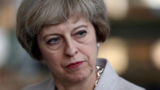 """""""Respondió 'sí' sin dudar"""": Critican a Theresa May por su disposición a emplear armas nucleares"""