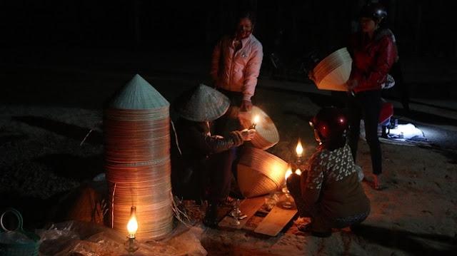 Bình Định, Phiên chợ nón chỉ họp lúc nửa đêm