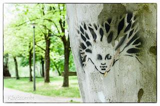 Fára festett arc Szegeden