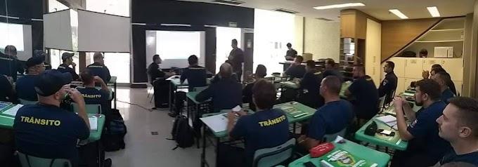 GRAVATAÍ | Agentes de Trânsito participam de curso de formação e reciclagem