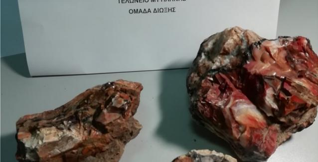 Λέσβος: Απολιθώματα στις αποσκευές επισκεπτών που προσπάθησαν να φύγουν για Βιέννη